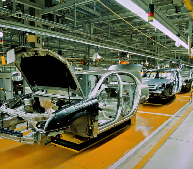car-manufacturing-iStock_000016519692Small